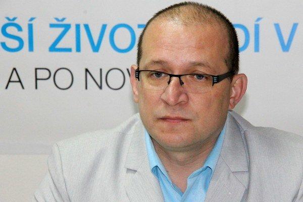 Jozef Švagerko. Na kreslo zasadne 2. decembra.