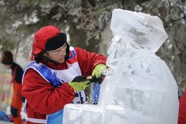 Stavba ľadových sôch sa už stala tradíciou.