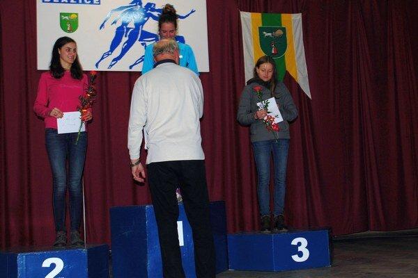 Najrýchlejšie ženy. Ceny im odovzdal Jozef Plachý.