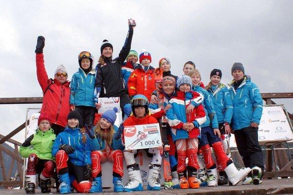 Boli úspešní. Členovia ŠK Junior Ski Poprad.