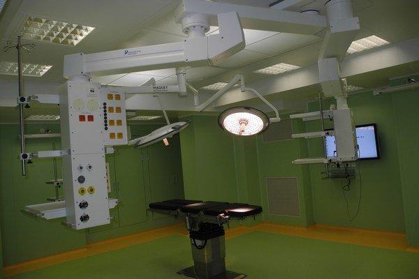 Nové operačné sály slúžia už rok.
