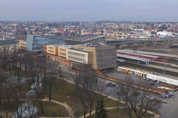 Práce ovplyvnia aj dopravu v okolí železničnej stanice.
