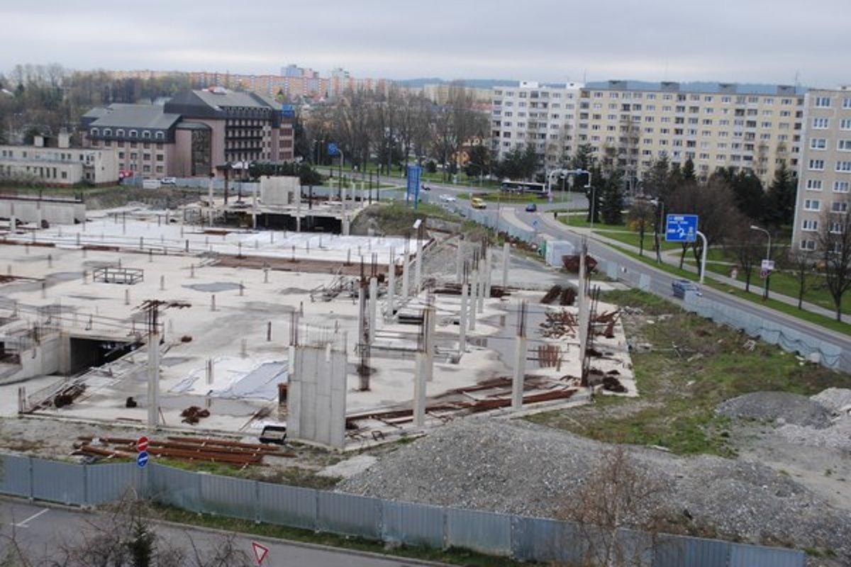 Z troch veľkých obchodných centier v Poprade sa stavia len jedno ... 1da3a90bad7