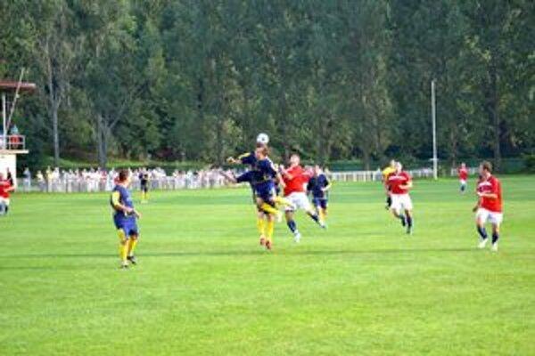 Rozhodnutie v závere. Spišské Bystré vyhralo nad Hranovnicou 1:0.