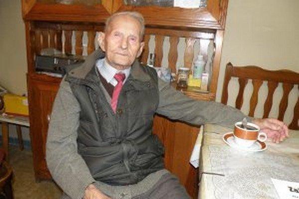 Najstarší obyvateľ Novák má stoštyri rokov.