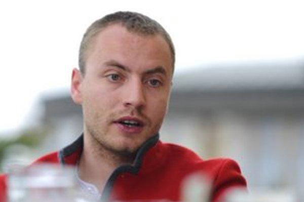 Patrik Kolesár z Tatranského okrášľovacieho spolku.