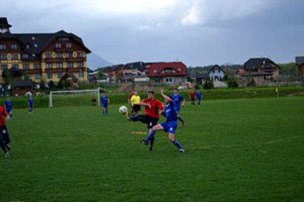 Bez gólov. Veľká Lomnica sa proti Vikartovciam strelecky nepresadila.