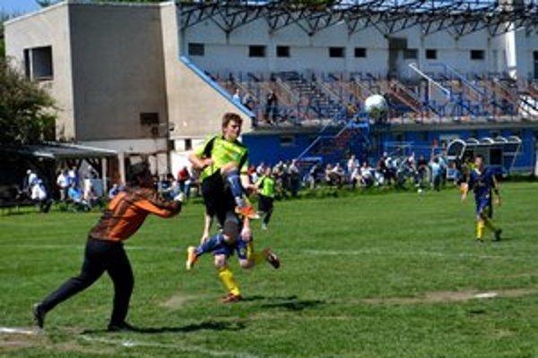 Bez gólového korenia. Derby medzi Popradom B a Spišským Bystrým sa skončilo nerozhodne.
