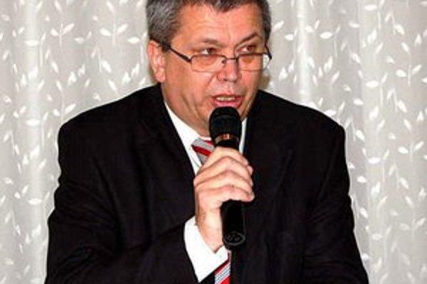 Oslávenec. Už aj predseda Podtatranského futbalového zväzu Štefan Vaľko medzi päťdesiatnikmi.