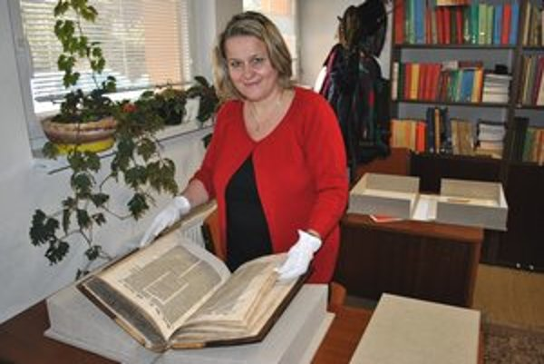 Knihovníčka Jana Kušniráková tvrdí, že o knihy sa treba starať.