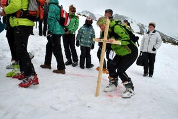 Lúčenie s lyžou soliskovou. Každý to prežíval po svojom.