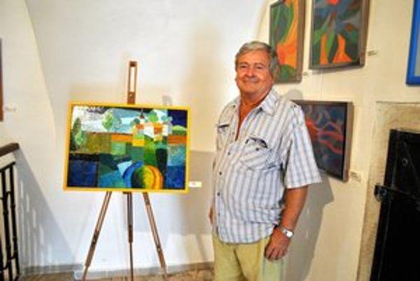Igor Cpin. Bývalý chirurg má možnosť konečne sa naplno venovať maľovaniu.