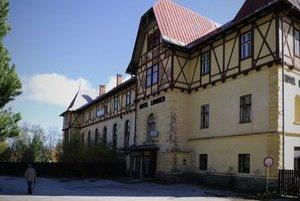 V Tatranskej Lomnici spisujú petíciu proti vrtu geotermálnej vody.