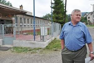 Starosta. Emil Knap hovorí, že pre obec so štyristo obyvateľmi je každý cent podstatný.
