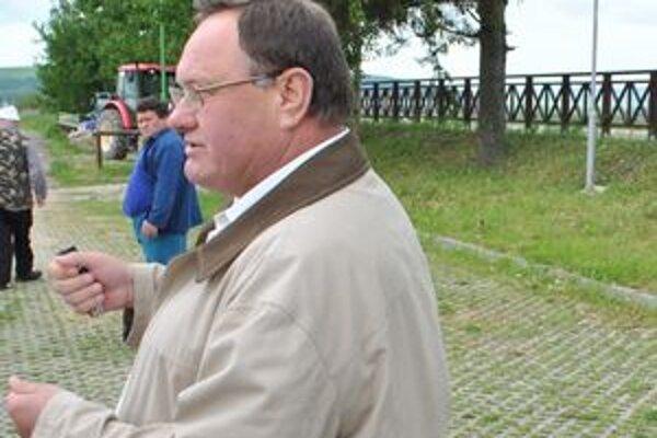 Milan Hrivňák odchádza z úradu. Termín zvolania nového zastupiteľstva nedodržal.