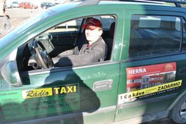 Zdeno Husanica. Taxikára robí už deväť rokov.