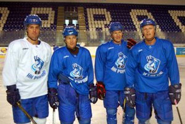 Kvarteto Švédov v drese HK Poprad.