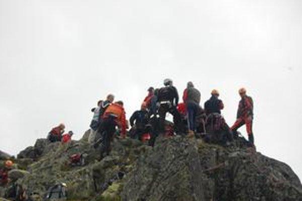 Návštevníci Tatier musia rešpektovať nástrahy hôr.