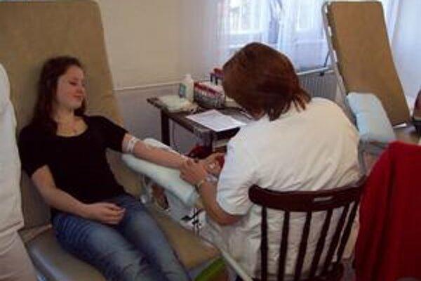 Darovanie krvi. Urobili až 90 odberov.