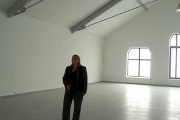 Anna Ondrušeková. Riaditeľka plní sľub a z galérie po jej októbrovom otvorení vytvára multikultúrny priestor.