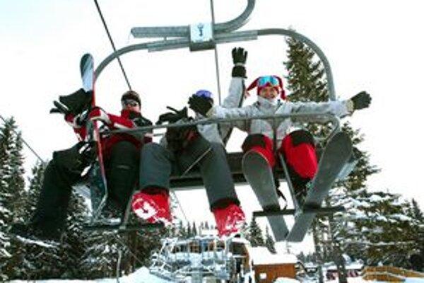 Na svahu Interski je 70 cm technického snehu, vleky spustia v utorok.