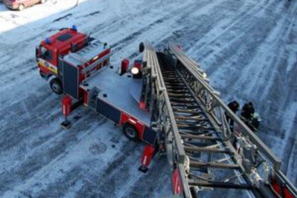 Nový rebrík umožní hasičom dostať sa takmer do 40-metrovej výšky.