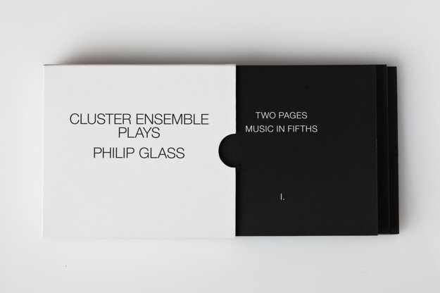 Aj obal albumu Cluster Ensemble je minimalistický.