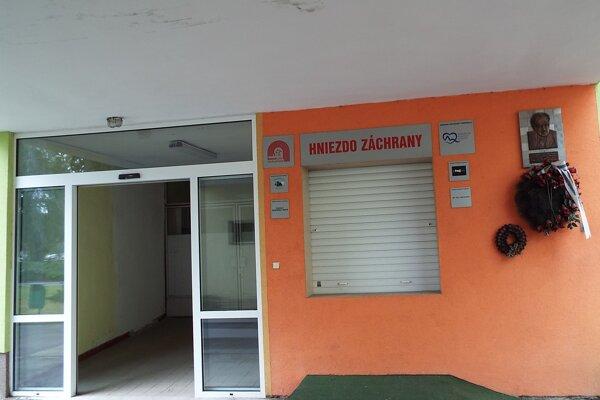 """Aj v Kysuckej nemocnici je """"hniezdo"""" napojené na nepretržitú   službu na novorodeneckom oddelení."""