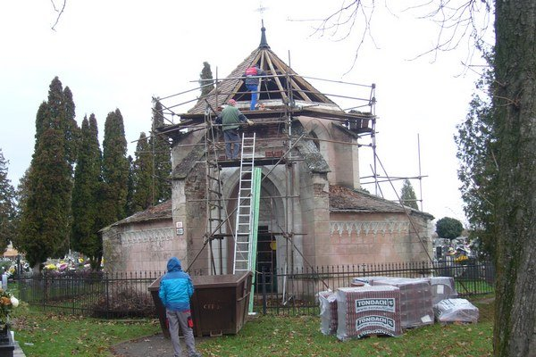 Vyše 200-ročná hrobka roky volala po obnove.