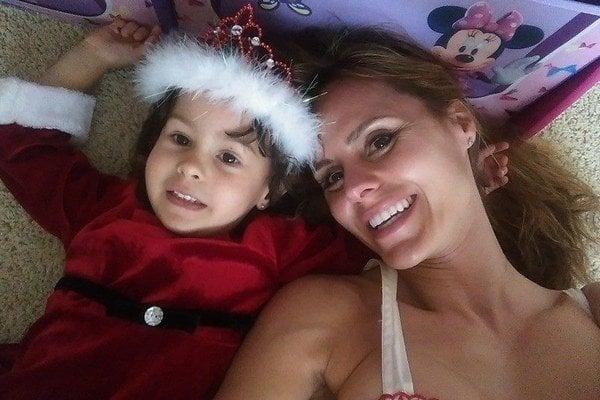 Timea Majorová so svojou dcérou.