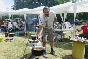 Súťaž vo varení gulášových špecialít.