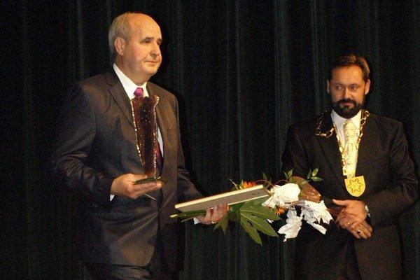 Jozef Barcaj dostal vlani čestné občianstvo mesta Nové Zámky.