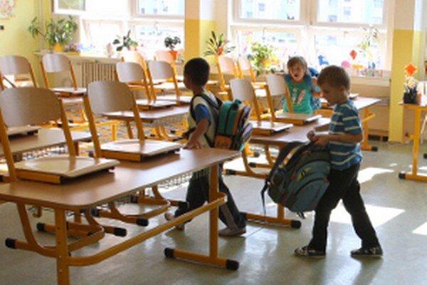 Školské triedy po prázdninách opäť ožili.