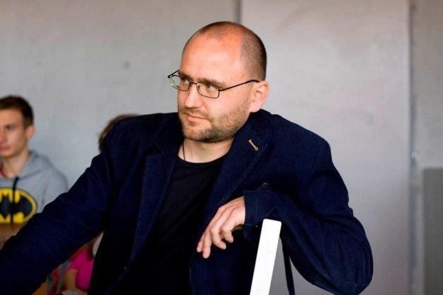 Peter Krištúfek má dodnes doma Vernove knižky, len ich na čas zaniesol do pivnice.