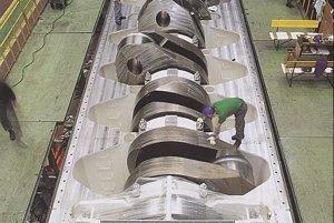 Hriadeľ motora váži 300 ton