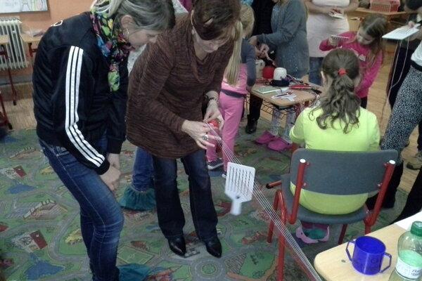 Tkanice sa voľakedy robili aj pomocou palca bosej nohy.
