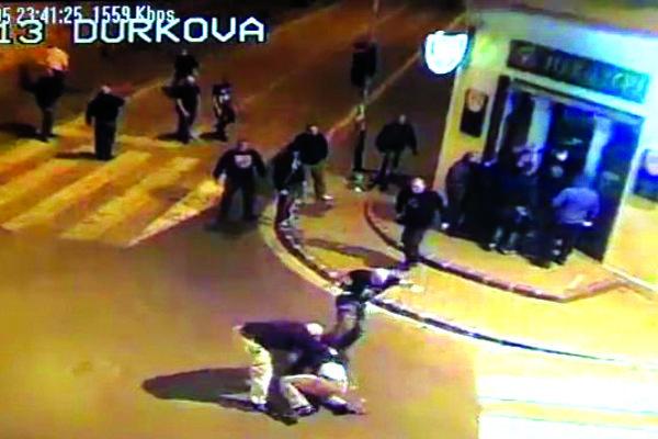 Záber z bitky pred barom, ktorá sa odohrala v októbri 2013.