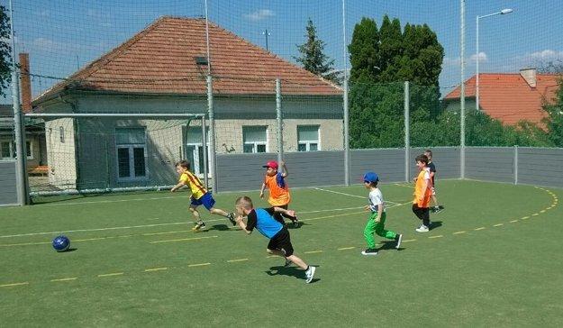 Malí bojnickí futbalisti.