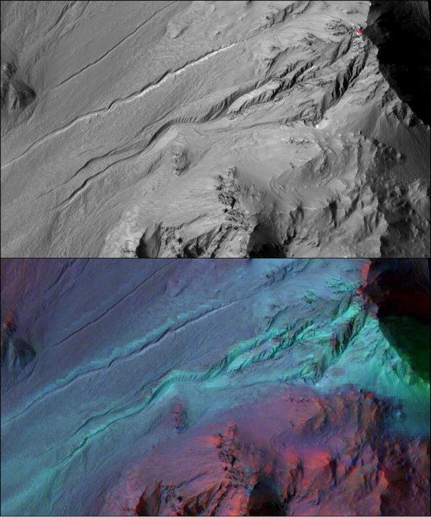 Dolný záber marťanskej rokliny spojený s dátami o mineralogickom zložení odhalil, že ich nevytvorila tečúca voda.