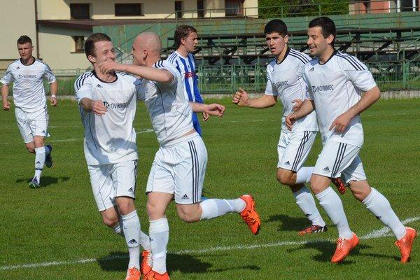 Futbalisti Vranova doma zdolali Stropkov.