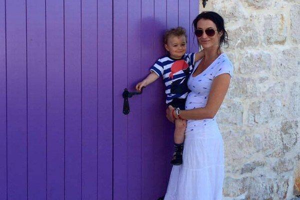 Lucia Hablovičová a Theo. Život si musia zariadiť bez Romana.