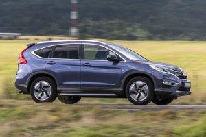 Modernizovaná Honda CR-V je na bežných cestách suverénna. Kombinácia motora 1,6 i-DTEC a automatickej prevodovky jej vyslovene sedí.
