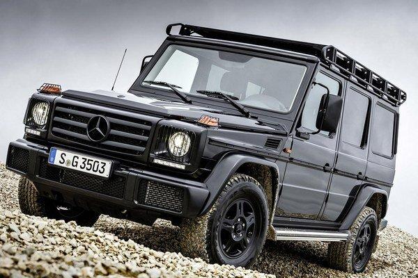 Nový Mercedes-Benz G 350 d Professional. Verzia Professional je určená do ťažkého terénu a poháňa ju trojlitrový vznetový vidlicový šesťvalec s maximálnym výkonom 180 kW.