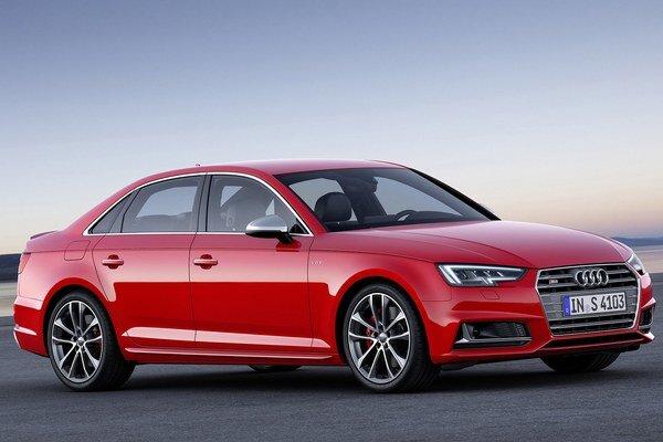 Športová limuzína Audi S4. Na pohon nového Audi slúži trojlitrový prepĺňaný vidlicový šesťvalec, ktorého maximálny výkon je 260 kW.