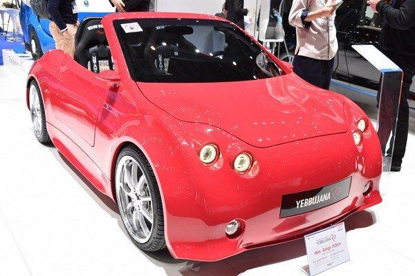Elektrický roadster Yebbujana R2. Juhokórejská firma Power Plaza chce tento roadster s kurióznym názvom predávať v Európe za 47 000 eur.