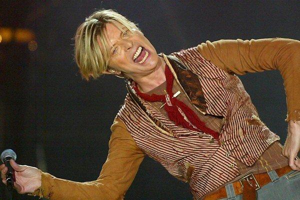 Mal tisíc tvárí. David Bowie sa experimentov nikdy nebál.