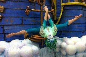 Alexandra Apjarová v predstavení Cirque de Soleil.