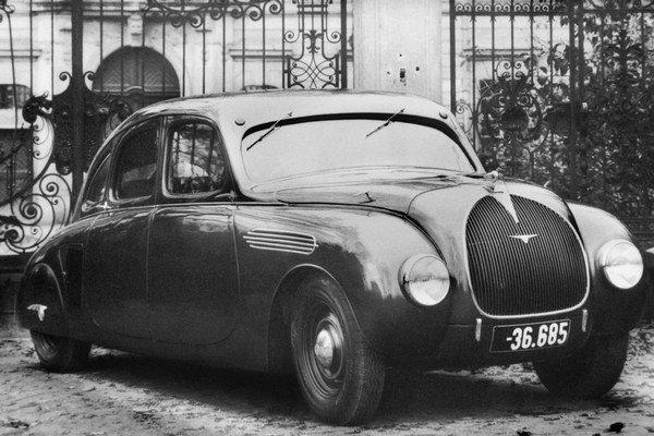 Prototyp Škoda 935 Dynamic. Tento prototyp s tzv. prúdnicovou karosériou bol hviezdou pražského autosalónu v roku 1935 a po 80 rokoch sa zúčastnil na stretnutí veteránov Bemberg Classic.
