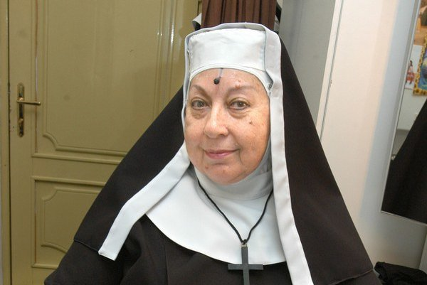 Magda Paveleková ako matka predstavená. V muzikáli Mníšky excelovala.