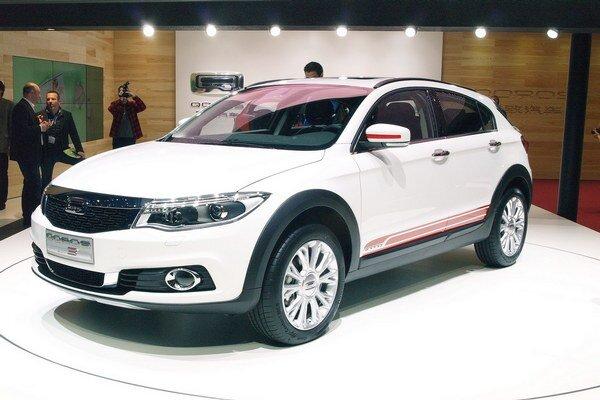 Qoros 3 City SUV na premiére v Ženeve. Mestský športovo-úžitkový model je po sedane a päťdverovom hatchbacku tretím karosárskym variantom radu 3 čínskej firmy Qoros.